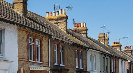 Average house prices rise to a record £230,280 – Halifax